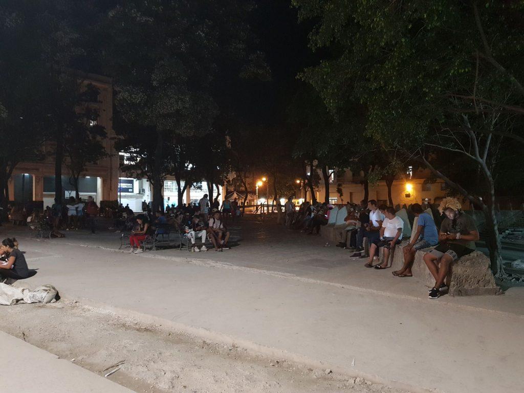 Wifi plácek v Havaně